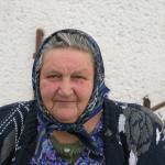 Katarína, dôchodkyňa: Odpadky hádžem do kontajnera. Hádzať smeti do potoka, to je to najhoršie, s prepáčením, svinstvo.