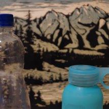 Sú plastové fľaše problémom aj v škole? Autor: Jakub Benčo