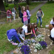 Úprava areálu školy. Autor: Patrícia Beličková